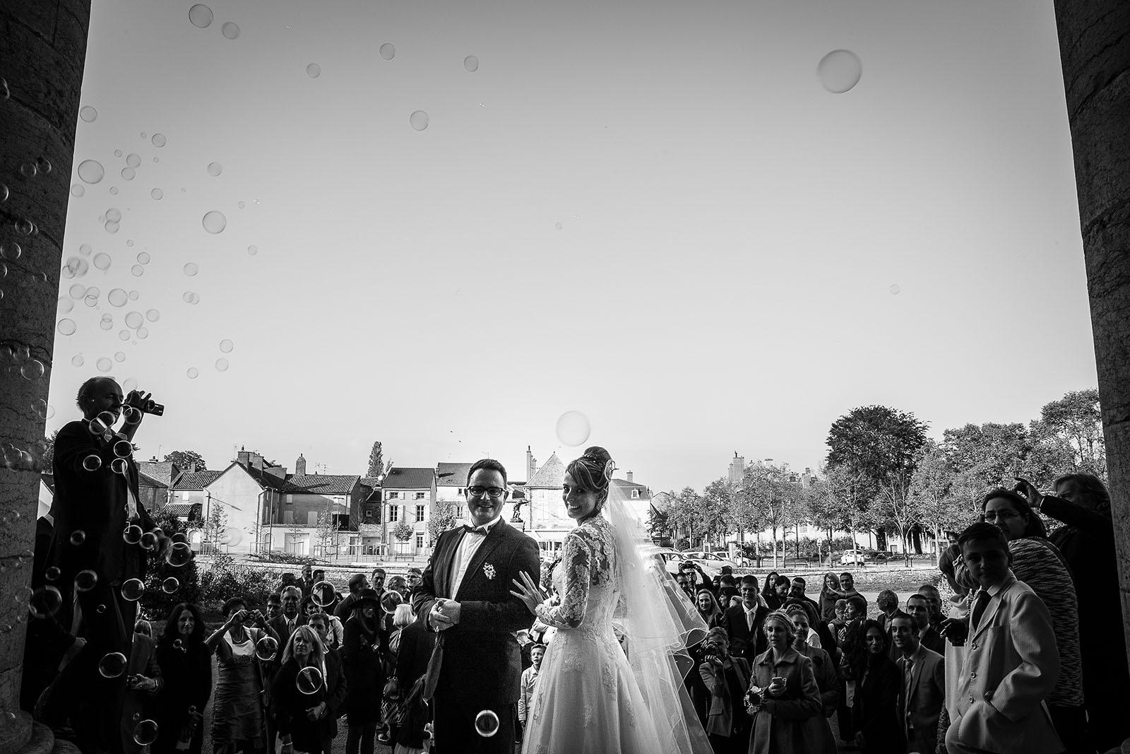 photographe de mariage chalon sur sane photo de la sortie des maris photo - Photographe Mariage Chalon Sur Saone