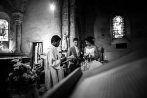 Echange des voeux. Photo réalisée par Castille ALMA photographe de mariage à Chambéry.