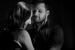 love session vieux lyon photos de couple amoureux par Castille ALMA photographe à Lyon