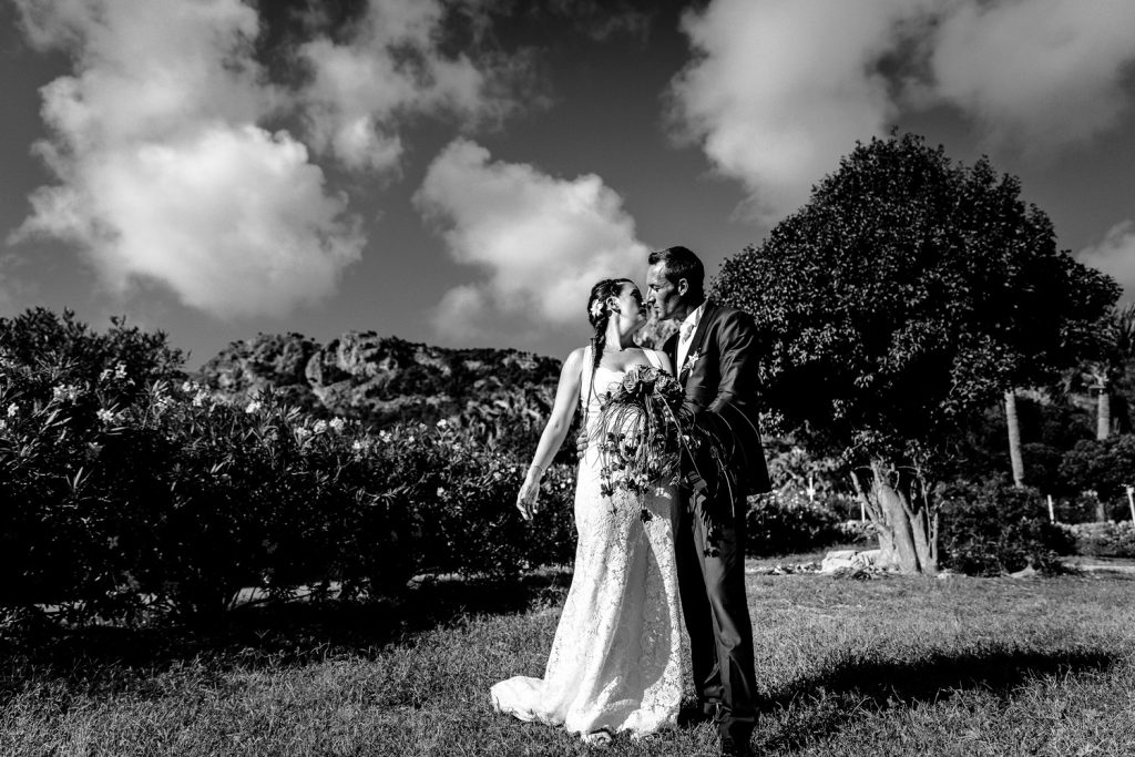 Destination wedding St Barthélemy photo de Castille ALMA photographe photographe-mariage-stbarth-gustavia-reportage-photo-mariage-castille-alma-photographe-mariage-haut-de-gamme-antilles-destination-wedding-photographer photo de couple st barth