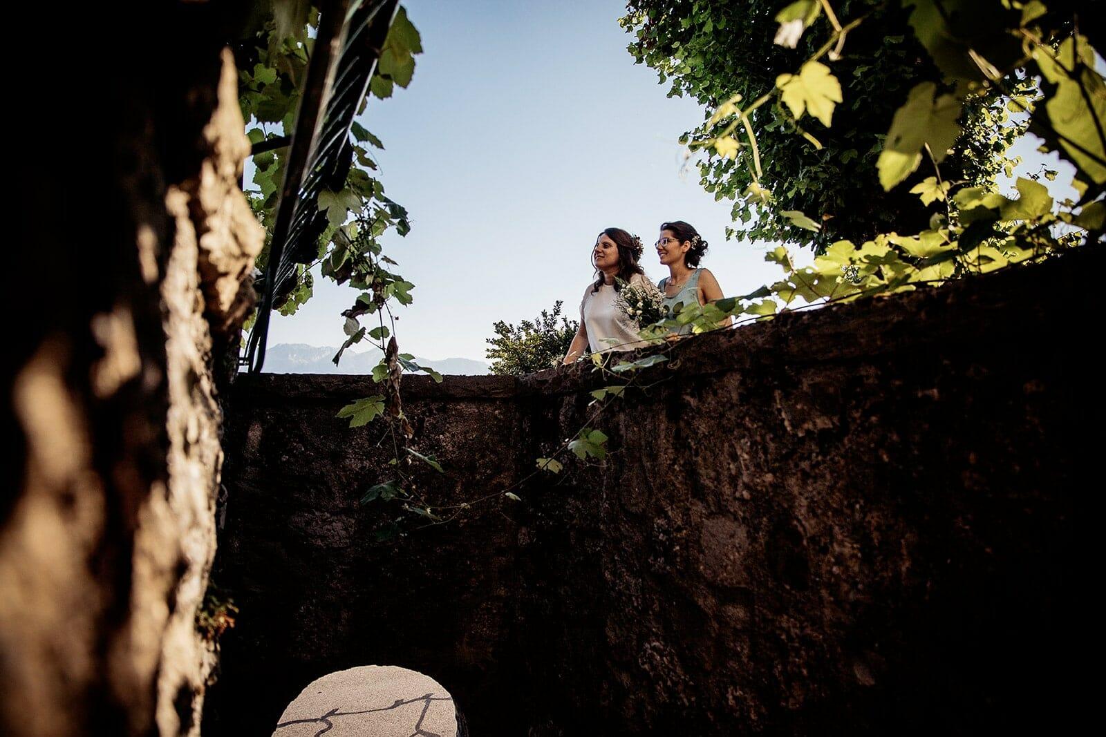 Best reviews Wedding photographer Lausanne Suisse castile ALMA photographer wedding at Domaine du Burignon St Saphorin Switzerland