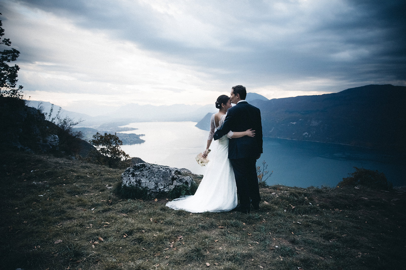 Intimate wedding photographer Aix les Bains
