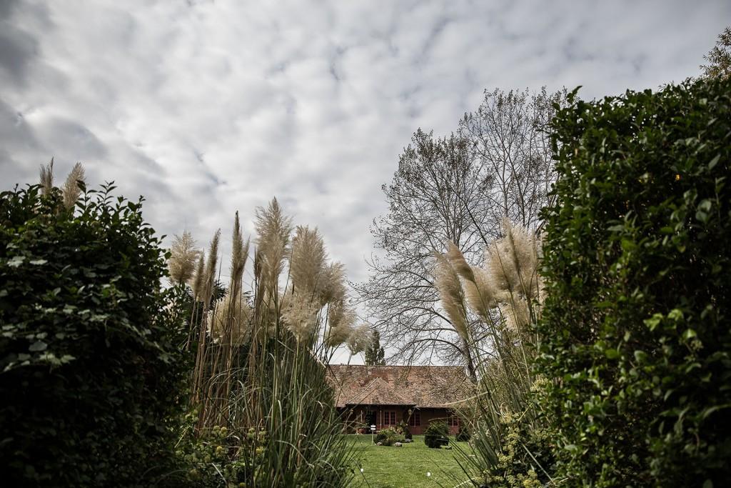 photographe de mariage en Normandie. Photo du manoir des prévanches. Photo réalisée par Castille ALMA photographe de mariage au manoir des Prévanches, en Normandie.