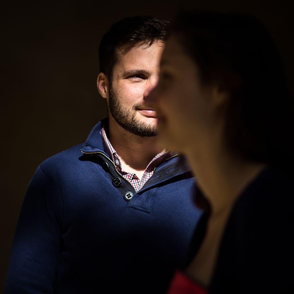Photographe couple love session session engagement Lyon presqu'île Musée des Beaux Arts