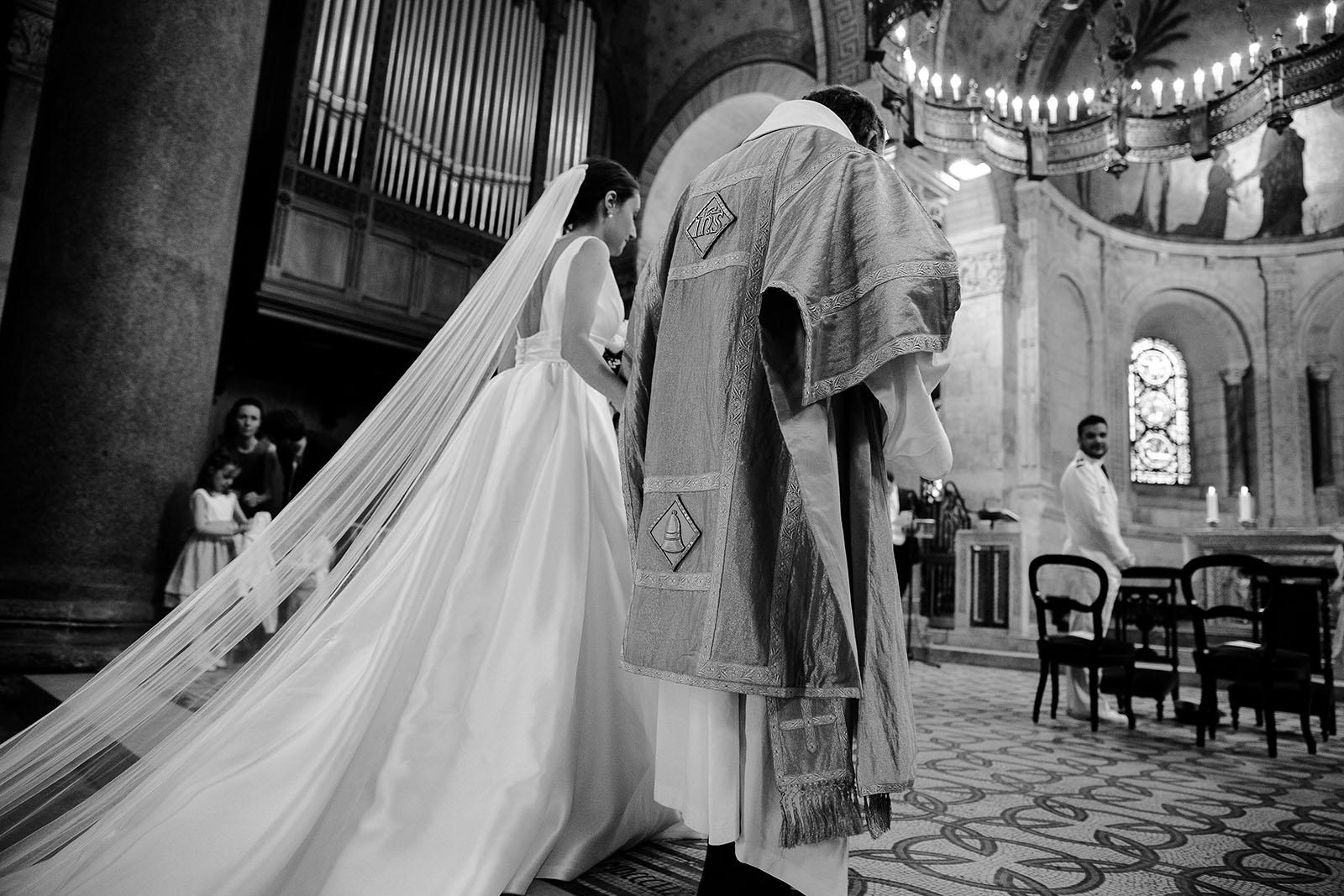 Photographe de mariage Lyon presqu'île Basilique Saint Jean Lyon