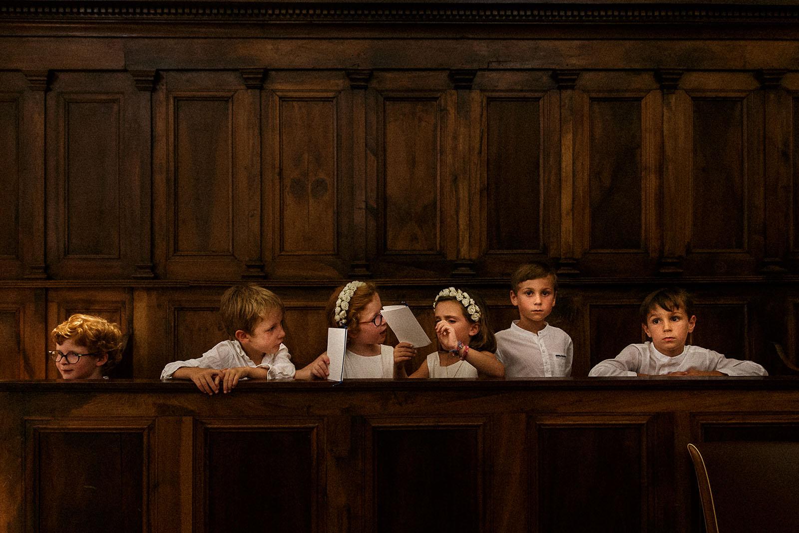 photographe de mariage en Suisse photo des enfants d'honneur mariage