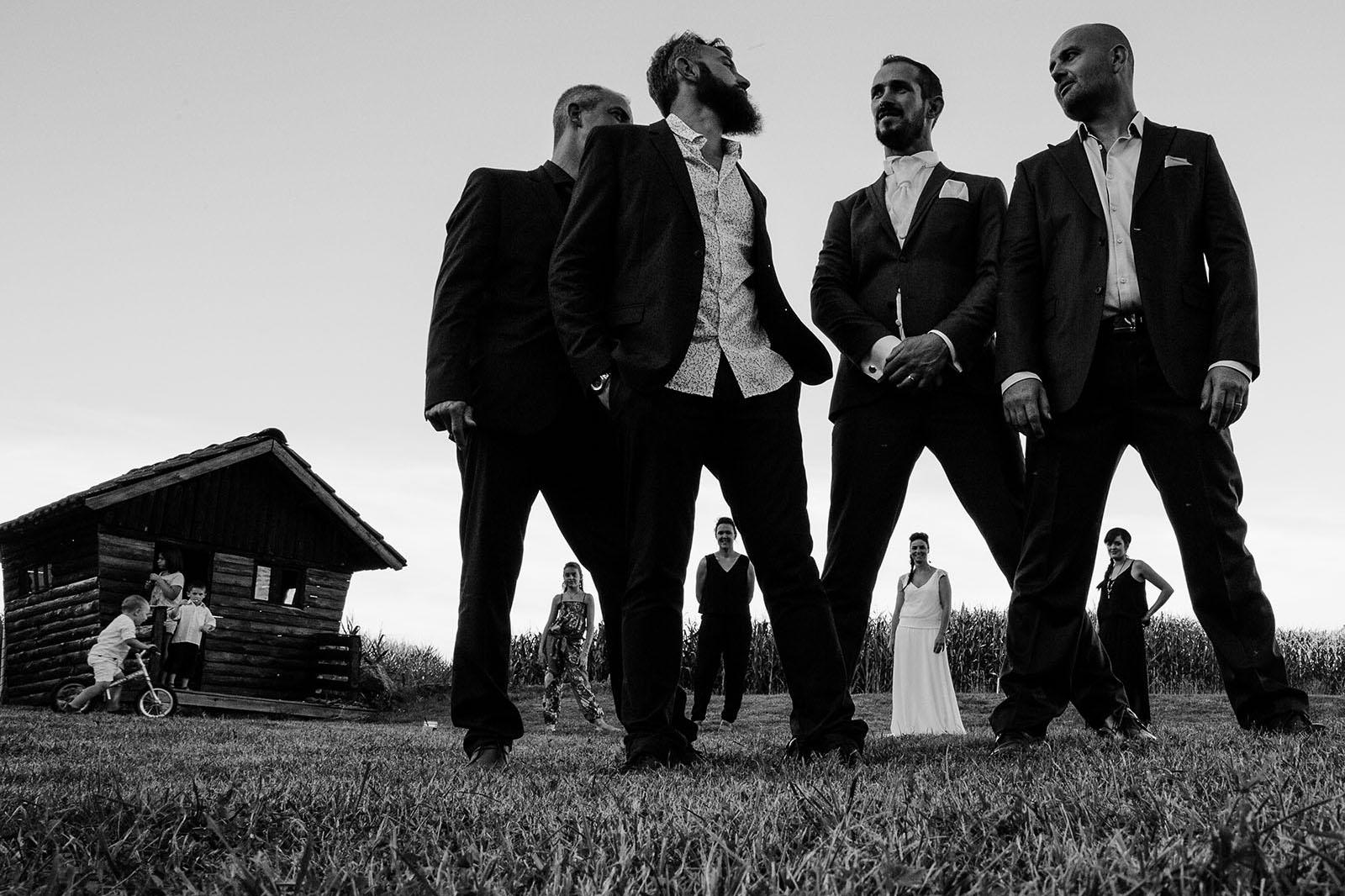 photographe de mariage saint etienne photo de groupe mariage créative