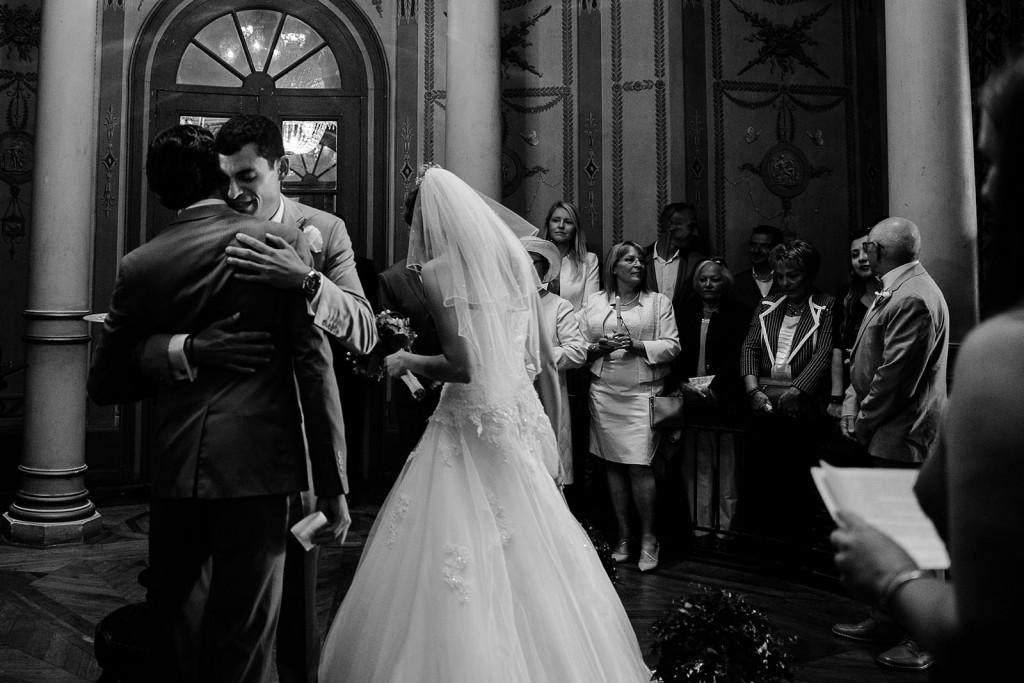 photographe de mariage émotion dans le jura photo cérémonie de mariage villa palladienne
