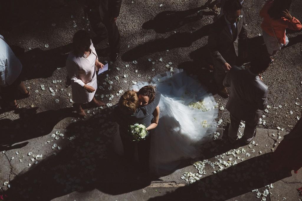 photographe de mariage dans le jura photo sortie des mariés villa palladienne