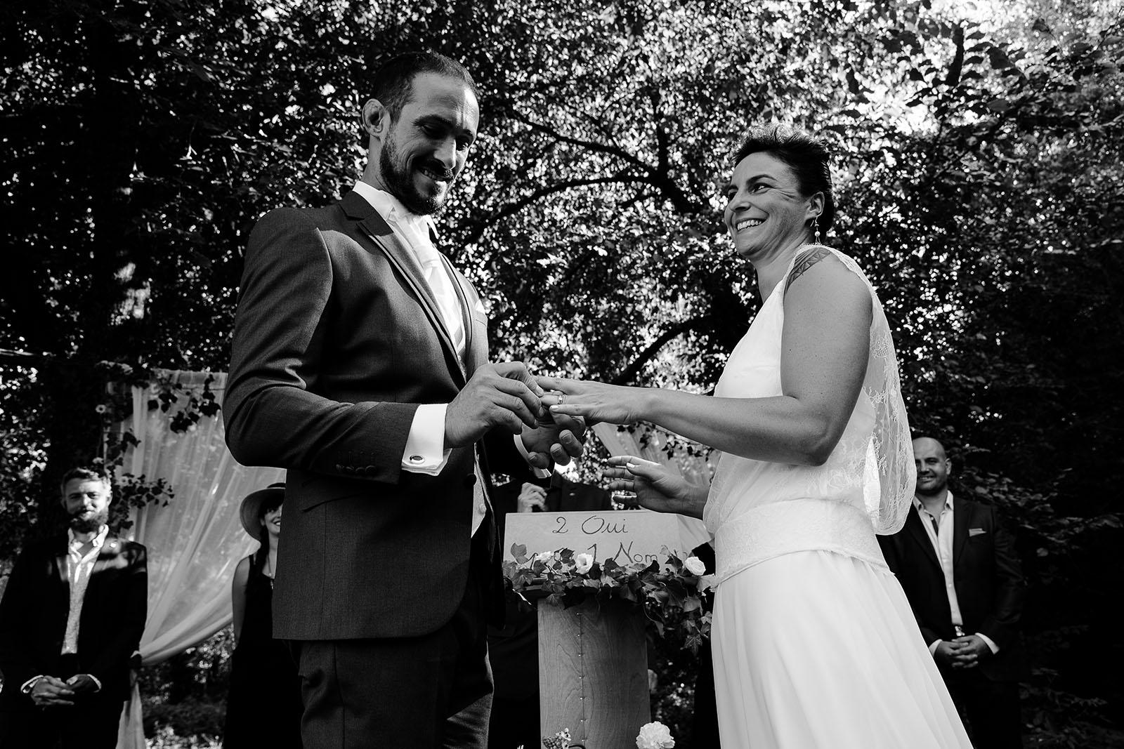 photographe de mariage Saint Etienne émotion joie bonheur cérémonie laique mariage champêtre
