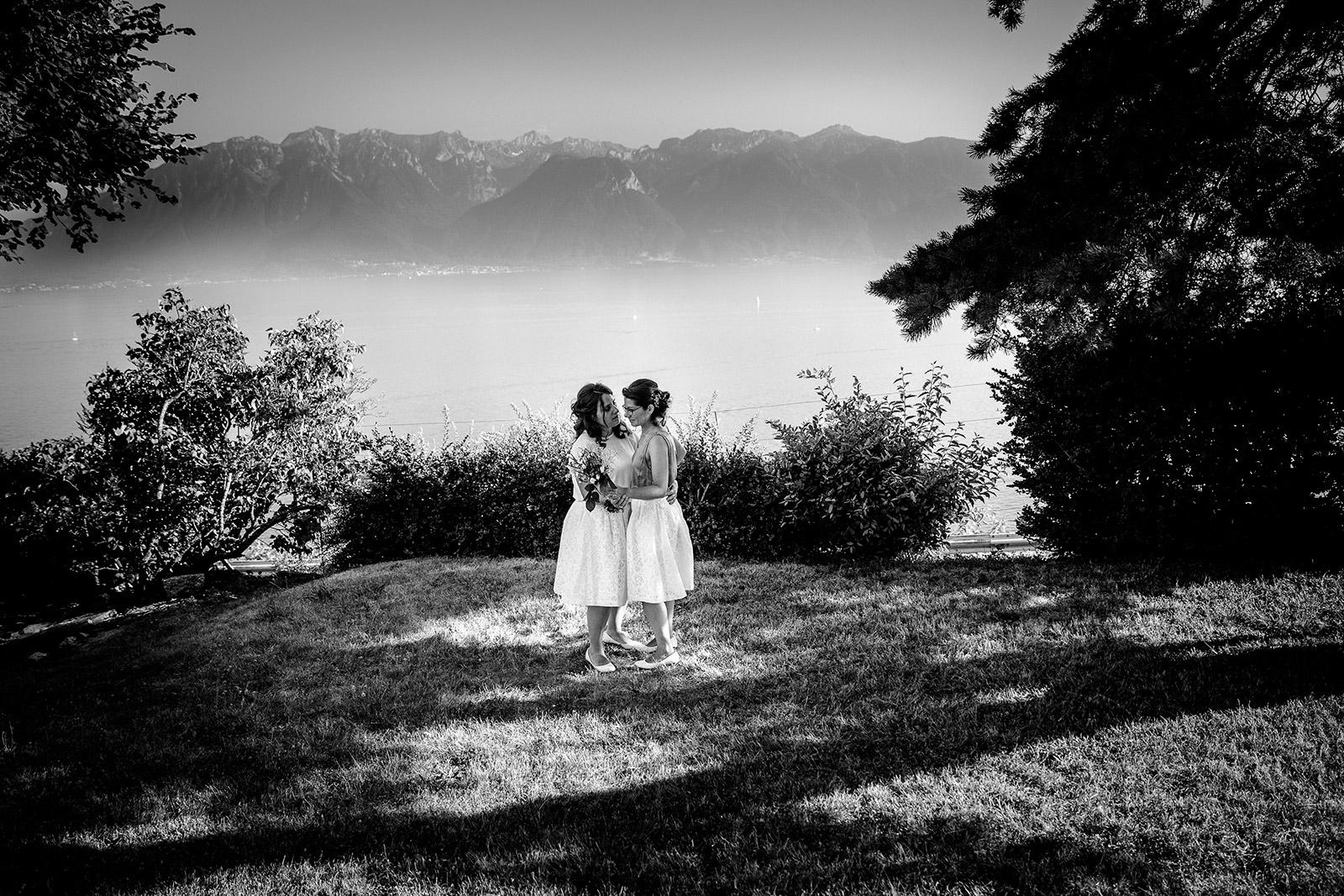 Photographe de mariage gay same sex photographe de mariage en suisse Marriage to the area of the Burignon Switzerland Castille ALMA photographe Mariage au domaine du Burignon St Saphorin Suisse