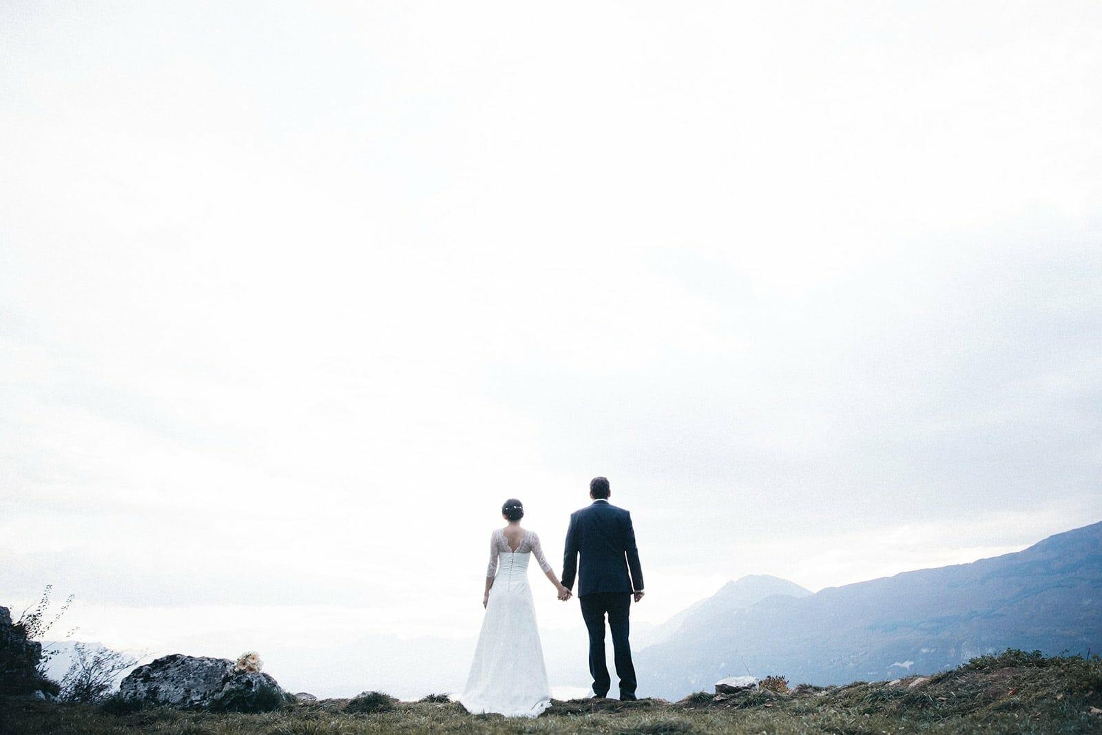 Photographe de mariage intime à la montagne Aix les Bains