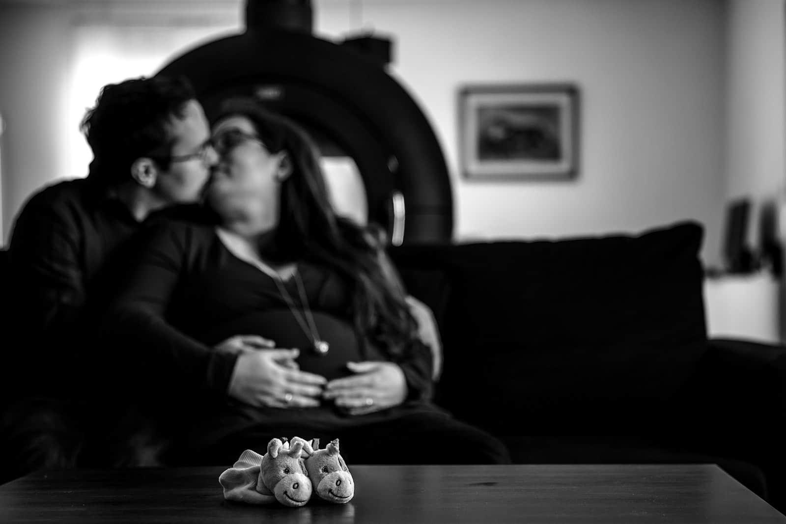 meilleur avis photographe de grossesse à domicile Bordeaux Pregnancy documentary photo Session séance photo grossesse nouveau né Photographe séance grossesse home studio Lyon. Photographe grossesse Lyon. Photographe nouveau né Lyon