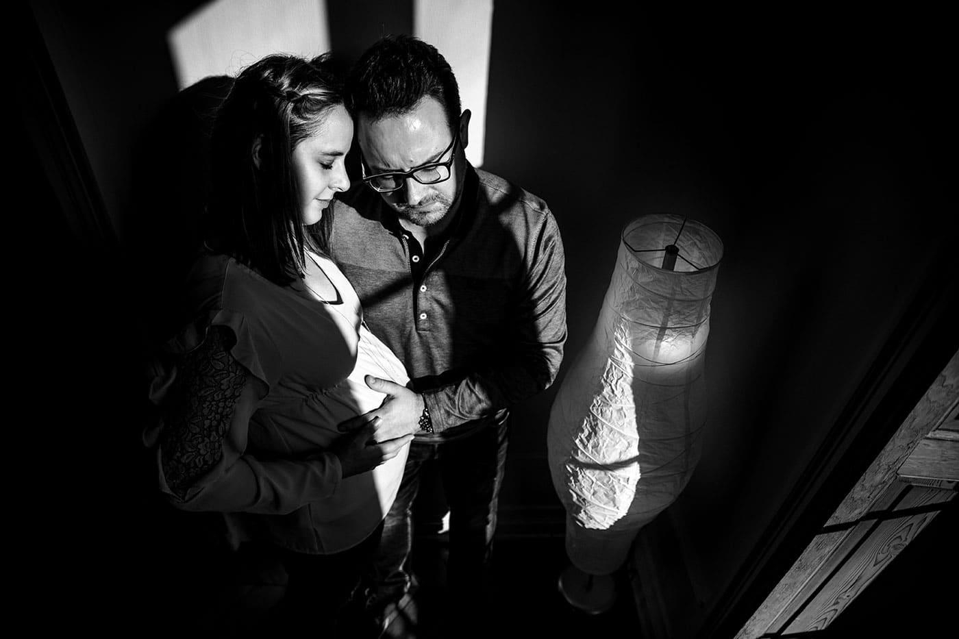 meilleur avis photographe de grossesse à Lyon Séance photo grossesse Studio Lyon Photographe séance grossesse home studio Lyon. Photographe grossesse Lyon. Photographe nouveau né Lyon