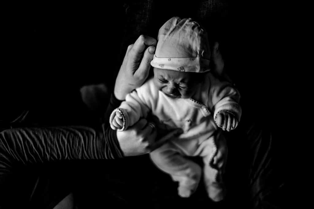 Séance photo documentaire nouveau né - Bordeaux photographe de nouveau né Reportage photo nouveau né