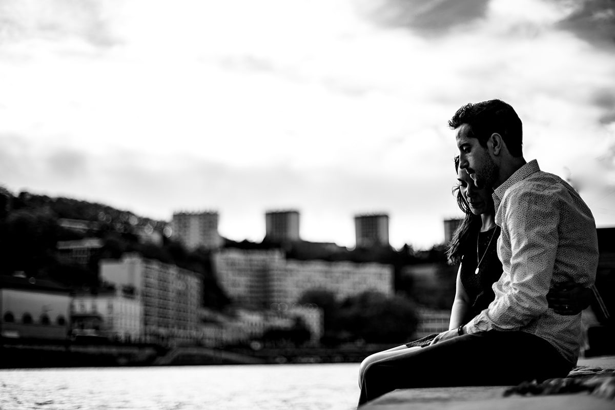 Love session à Lyon sur les quais de Saône