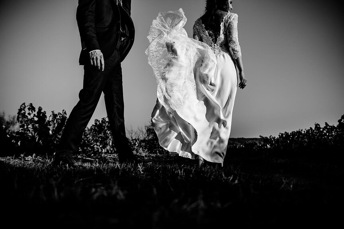 Photographe de mariage au domaine Morgon la Javernière en automne Castille ALMA meilleure photographe de mariage au domaine Morgon la Javernière