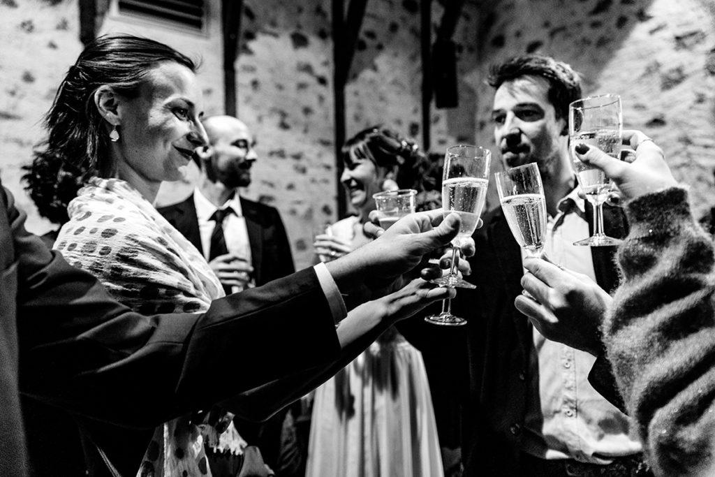 Photographe de mariage Aurillac Cantal en Hiver Castille ALMA photographe spécialisé dans le reportage de mariage.