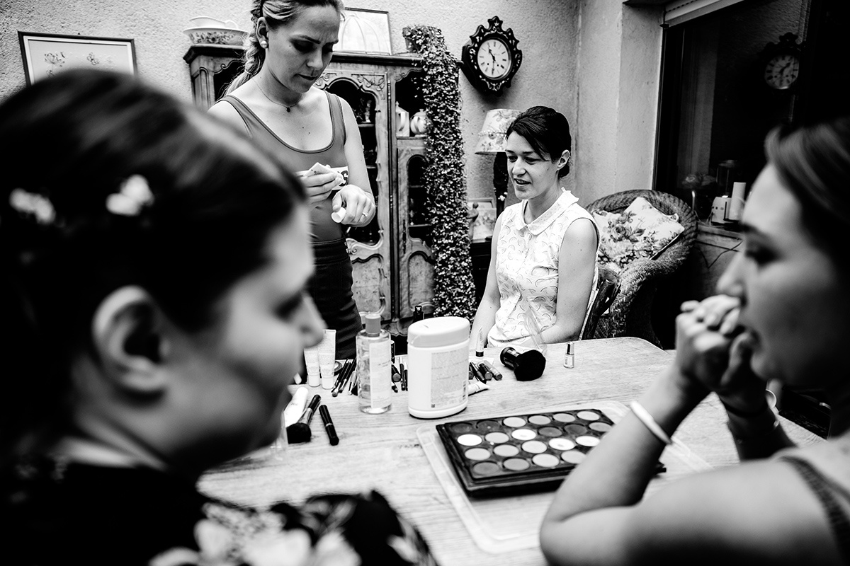 photographe de mariage intime au Clos de la Tour - Castille ALMA photographe de reportage de mariage