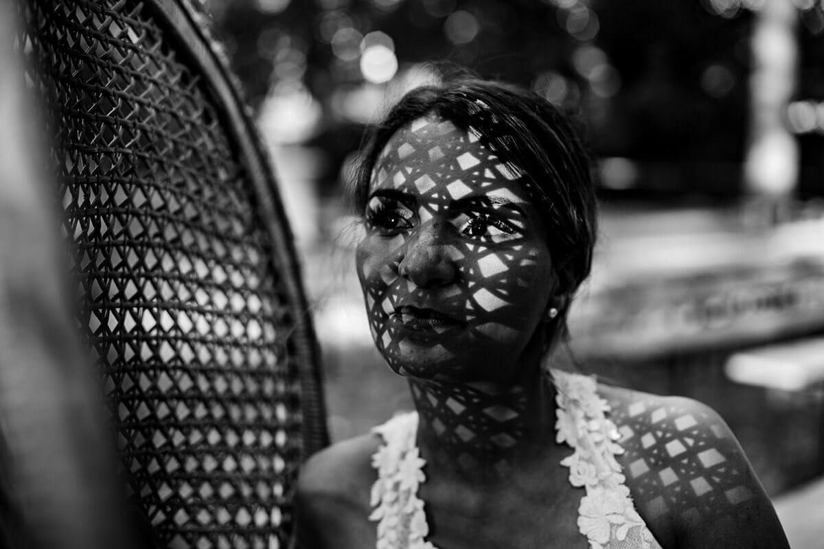 Photographe de mariage laïc à Lyon. Cérémonie laïque de mariage à Lyon. Castille ALMA photographe de mariage Rhône. portrait de la Mariée