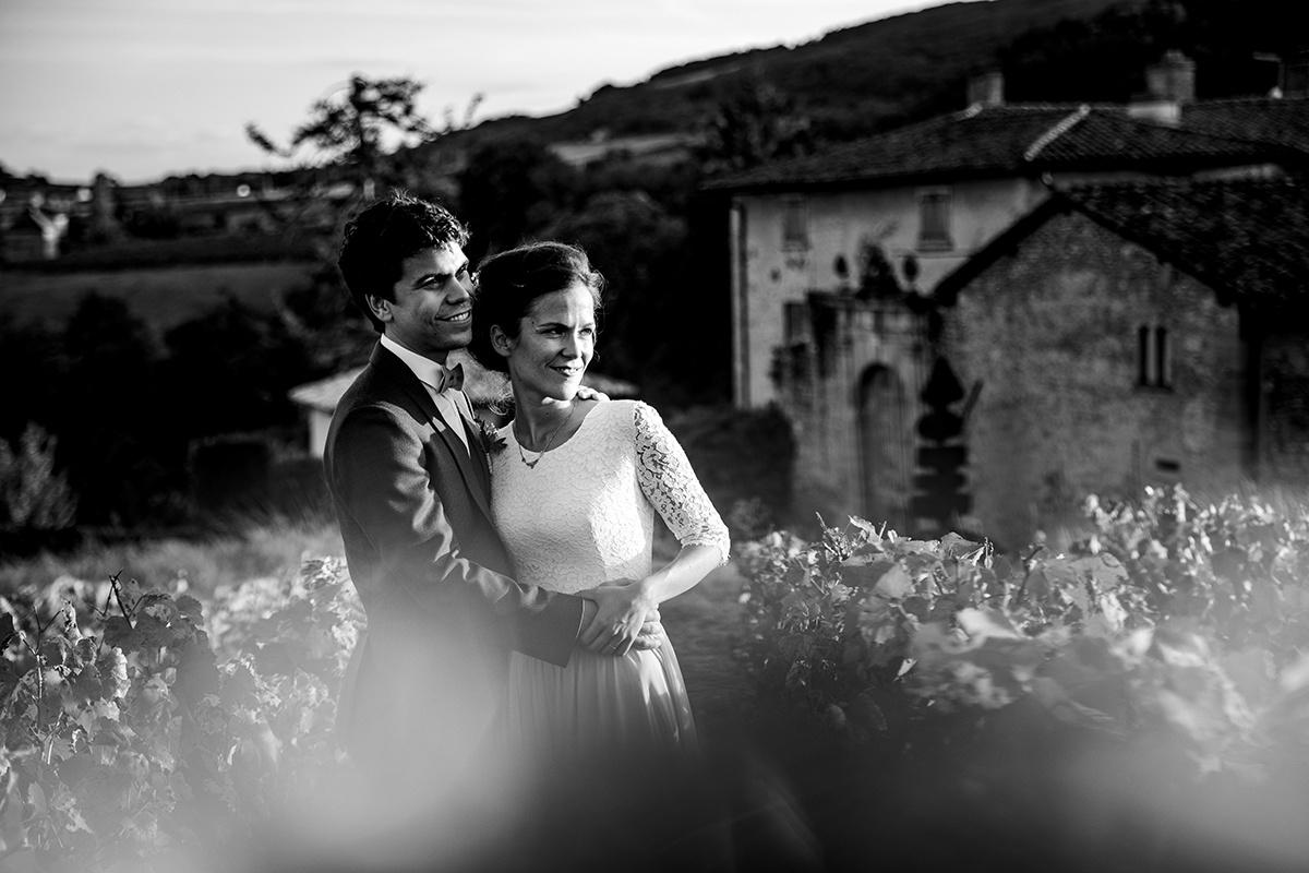Galerie photographe mariage Lyon.Regardons ensemble dans la même direction. Castille ALMA photographe de mariage Lyon
